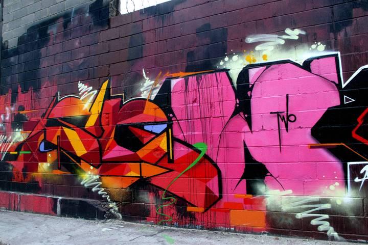 """Sen2 graffiti in Bronx, NYC"""