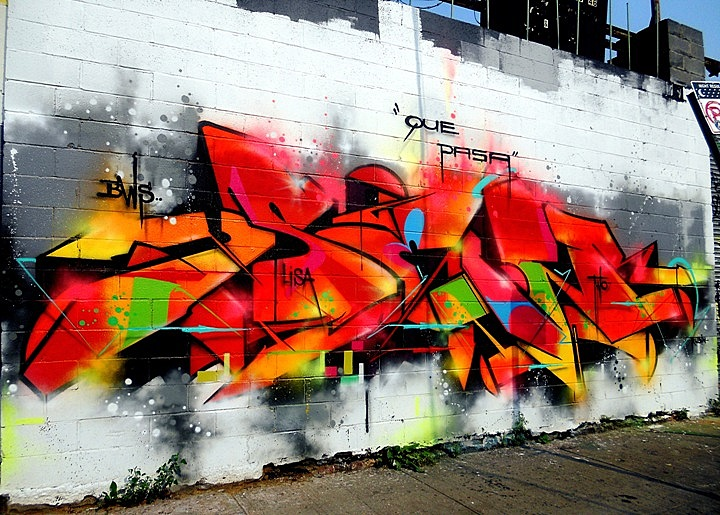 """Sen2 graffiti"""
