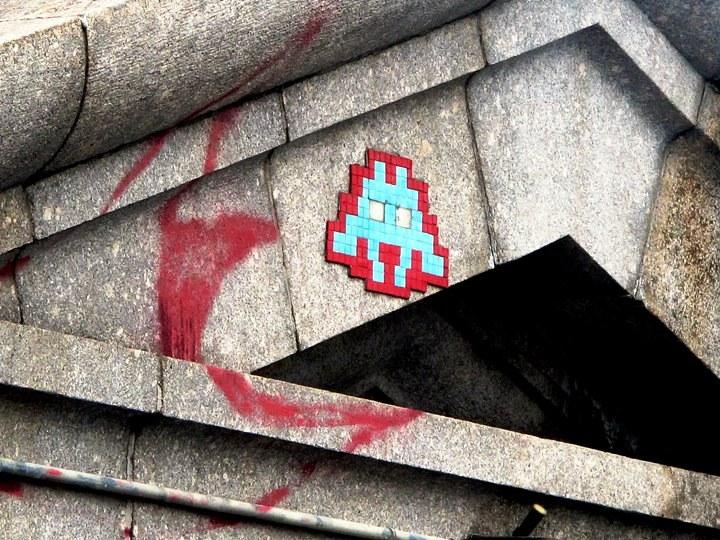 """""""Space Invader installation"""""""