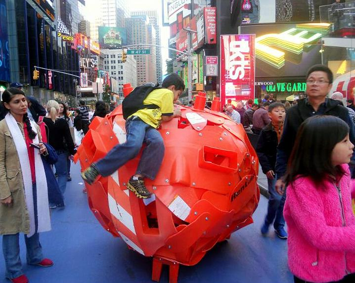 Bel Borba street art installation in Times Square NYC Bel Borba    The Peoples Picasso    Brings his Craft from Salvador, Brazil to the Streets of NYC