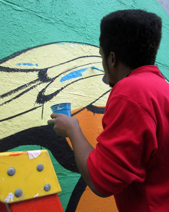 Bronx Museum Teen Council and Cre8tive YouTHink street art mural Sofia Maldonado Collaborates with Bronx Museums Teen Council and Cre8tive YouTH*ink to Fashion Outdoor Mural
