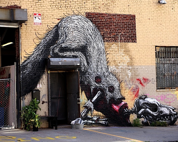 Roa street art in NYC A Feast of Beasts on NYC Streets: Roa, Never, DALeast, Craig Anthony Miller, Mr. Prvrt, Jordan Betten, Willow and KingBee