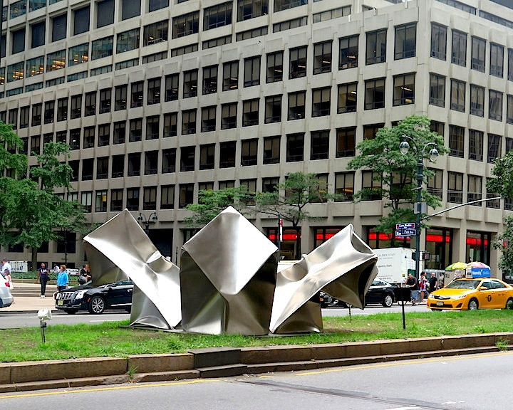 Ewerdt Hilgemann Cube Flower manhattan sculpture Ewerdt Hilgemanns Implosion Sculptures on Manhattans Park Avenue and at Jersey Citys Mana Contemporary