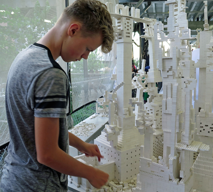 Olafur Eliasson Lego public art high line NYC Olafur Eliasson: <em>The collectivity project</em>    with Two Tons of White LEGO® Bricks    Continues Through Wednesday on the High Line