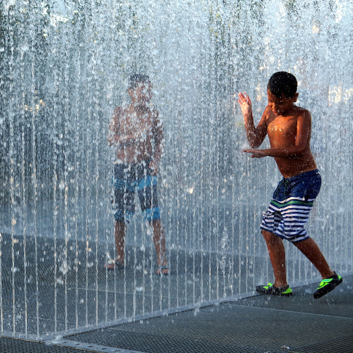 jeppe Hein water Jeppe Hein: <em>Please Touch the Art</em> at Brooklyn Bridge Park