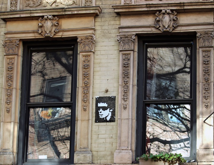 invader-lou-reed-street-art-nyc