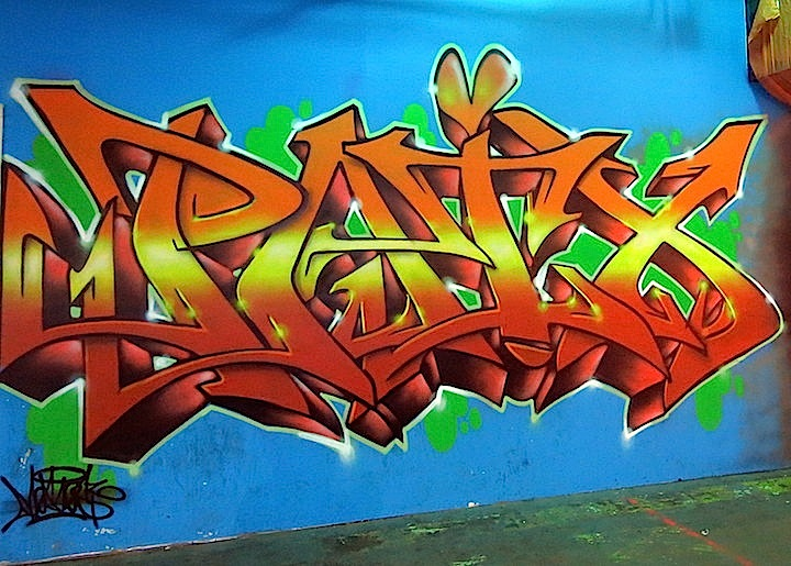 meres-the-art-of-peace-graffiti