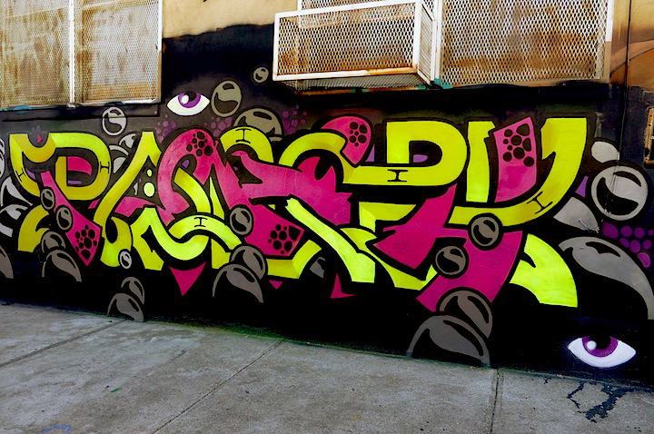 roachi wild style graffiti nyc Busy on Bogart: 4Sakn, Eskae, Bishop203, Hoacs, Trace and Roachi