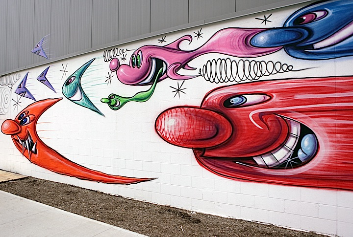 kenny-scharf-flying-creatures-bronx-mural