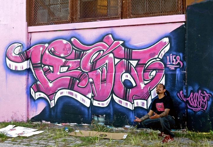 reme-with-graffiti-newark-new-jersey