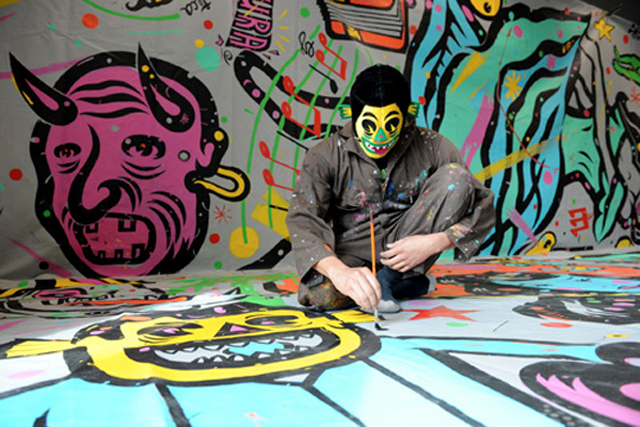 CHema Skandal paints Speaking with Graphic Artist and Music Enthusiast CHema Skandal!