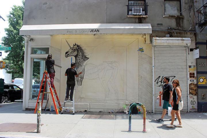 alexis-diaz-begins-painting-mural